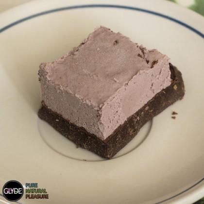 פרלין שוקולד עם קרם תותים
